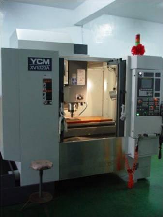 塑膠模型-CNC自動铣床